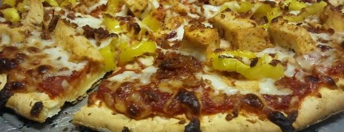 Fia's Pizzaria Co. is one of สถานที่ที่บันทึกไว้ของ Sarah.
