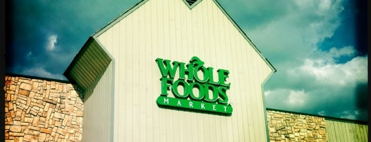 Whole Foods Market is one of Locais curtidos por Joseph.