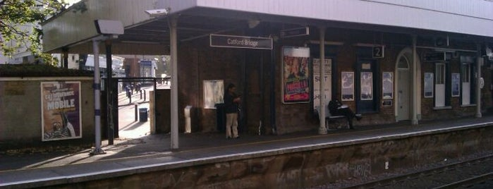 Catford Railway Station (CTF) is one of Jollさんのお気に入りスポット.