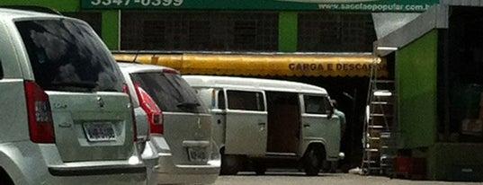 Sacolão Popular Curitibano is one of Tempat yang Disukai Aline Carolina.