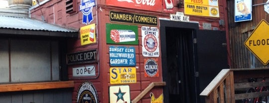 Lone Star Saloon is one of Lugares guardados de Johny.