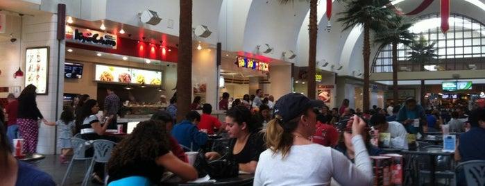 Los Cerritos Center Food Court is one of Tempat yang Disukai Cesiah.