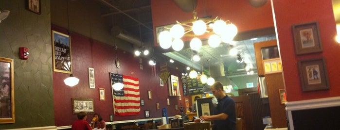 Potbelly Sandwich Shop is one of สถานที่ที่ Joey ถูกใจ.