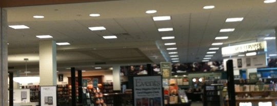 Barnes & Noble is one of Local Haunts.