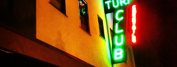 Turf Supper Club is one of Rick'in Kaydettiği Mekanlar.