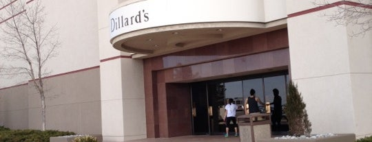 Dillard's is one of Posti che sono piaciuti a Jordan.