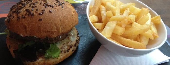 La Maison de l'Aubrac is one of Best Burger in Paris.