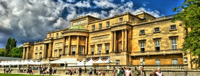 Buckingham Palace is one of London's Must-See Attractions.