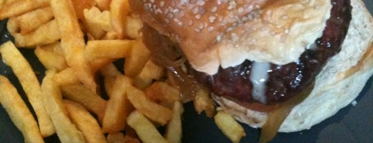 La Vaca Picada is one of MADRID ★ Hamburguesas ★.
