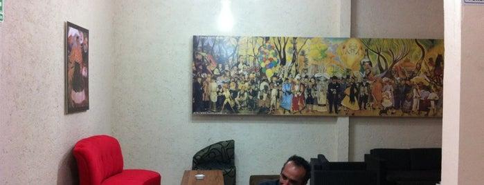 Cultura, Ideas & Café is one of Tempat yang Disukai Vicky Nito.