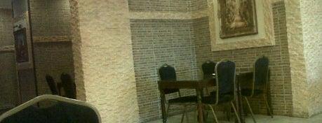 Al Crwan Lebanese Restaurant is one of Fav.