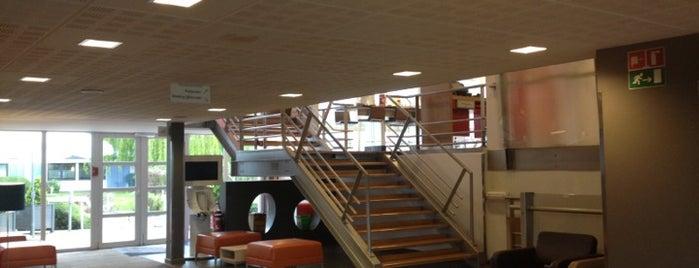 Novotel Brussels Airport is one of Tempat yang Disukai Yves.