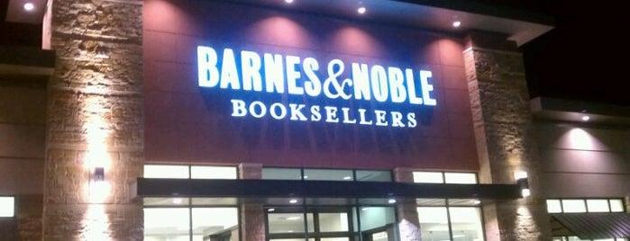Barnes & Noble is one of Rachel 님이 좋아한 장소.
