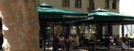Starbucks is one of Orte, die Nuray gefallen.