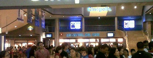 Cinépolis is one of Tempat yang Disukai Mariel.