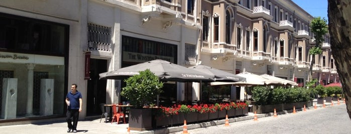 The Winston Brasserie is one of Orte, die Emrah gefallen.