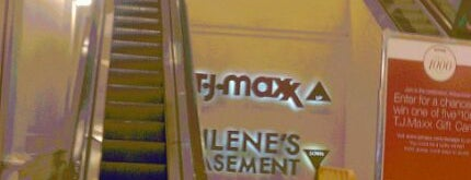 T.J. Maxx is one of Brandon 님이 좋아한 장소.