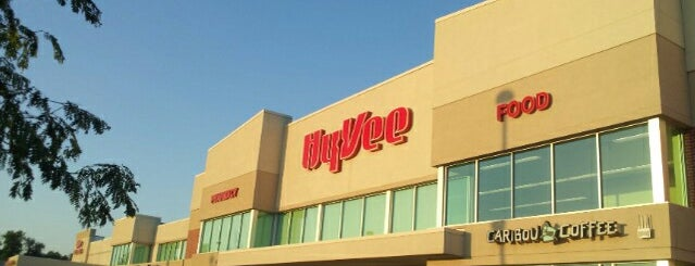 Hy-Vee is one of April'in Beğendiği Mekanlar.