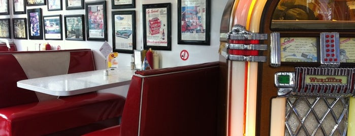 Mel's Diner is one of US Food & Co. (Part 1/2).