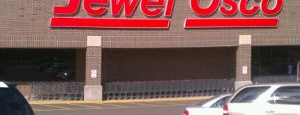 Jewel-Osco is one of สถานที่ที่ FJ ถูกใจ.