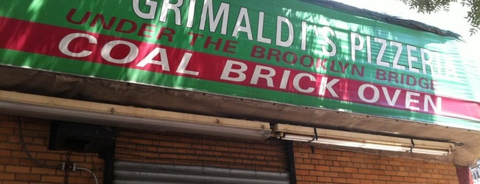 Grimaldi's Pizzeria is one of Pizza Tour of NYC.