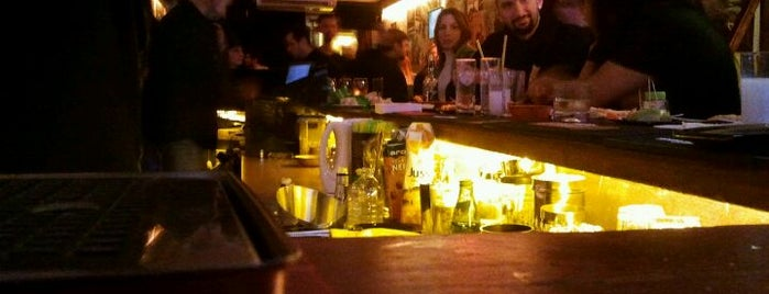 Veli Pera Lounge is one of eglence.