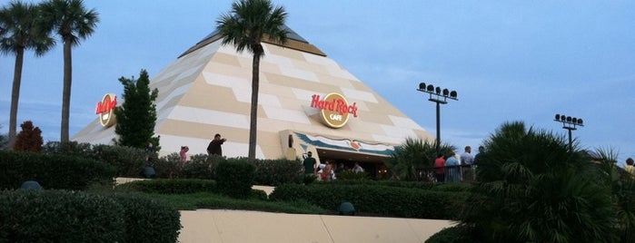 Hard Rock Cafe Myrtle Beach is one of Posti che sono piaciuti a Kyle.