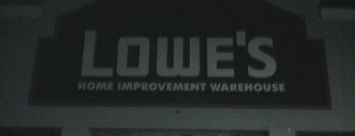 Lowe's is one of Dominique 님이 좋아한 장소.