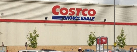Costco is one of Orte, die Carl gefallen.