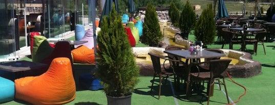 ANDORA Cafe & Bistro is one of Enkara.