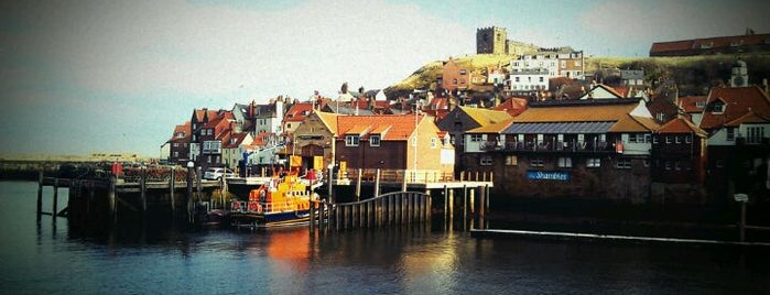 Whitby Harbour is one of Locais curtidos por Carl.