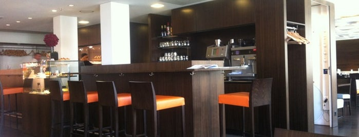 Globus Eat and Drink is one of Foodie places in Geneva area.