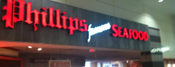 Phillips Seafood is one of Krissy 님이 좋아한 장소.