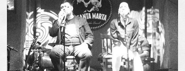 Santa Marta Bar is one of PELO MUNDO.....