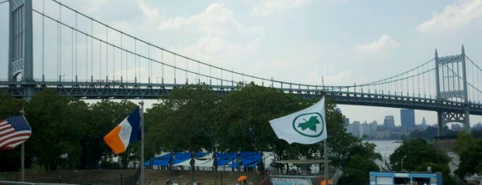 Astoria Park Pool is one of Tempat yang Disimpan Rob.