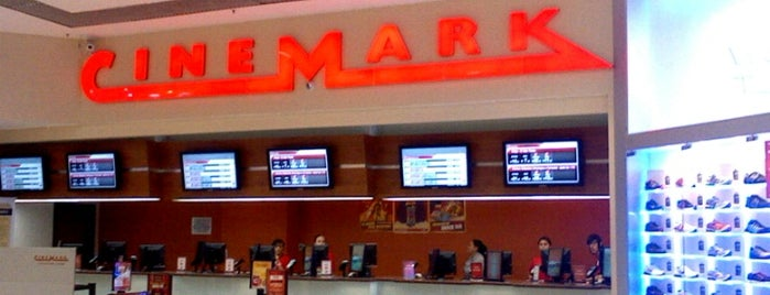 Cinemark is one of Tempat yang Disukai Linda.