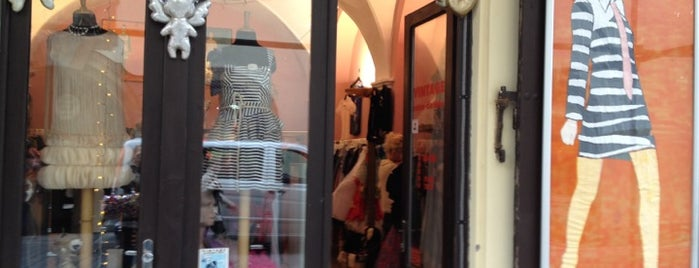 Vintage Clothes is one of Boho shops.