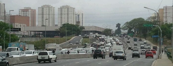 Radial Leste is one of De carro no transito de sp.