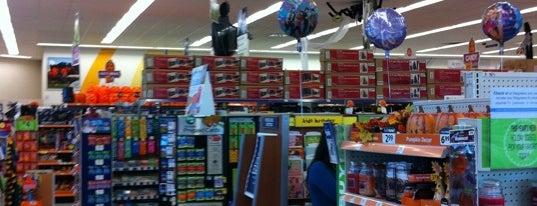 Walgreens is one of Lieux qui ont plu à Sandra.