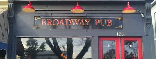 Broadway Pub is one of Tempat yang Disukai Jason.