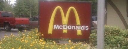 McDonald's is one of Tempat yang Disukai Jacque.