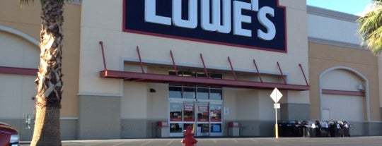 Lowe's is one of Lieux qui ont plu à Andrii.