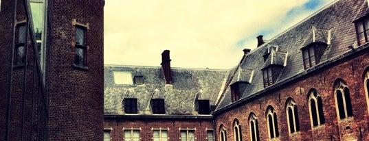 Centraal Museum is one of Gratis toegang met (free entry with) museumkaart..