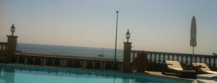 Vogue Hotel Cap d'Antibes is one of สถานที่ที่บันทึกไว้ของ Tatiana.