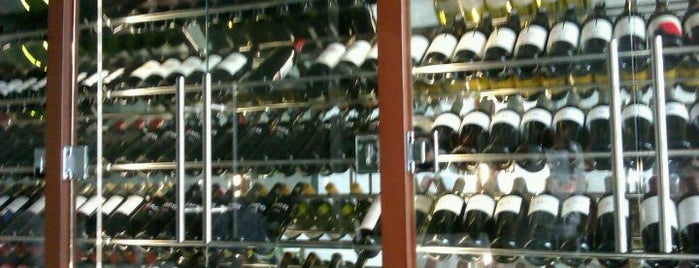 La Viblia: wine restaurant & showroom is one of Vinos en Barcelona.