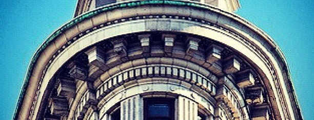 Flatiron Building is one of NEW YORK CITY : Manhattan in 10 days! #NYC enjoy.