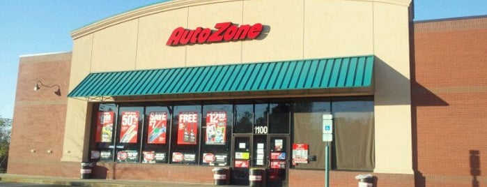 AutoZone is one of Pattyさんのお気に入りスポット.