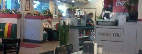Nick's Super Burgers is one of Mo : понравившиеся места.
