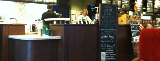 Starbucks is one of Lieux qui ont plu à Monnica.