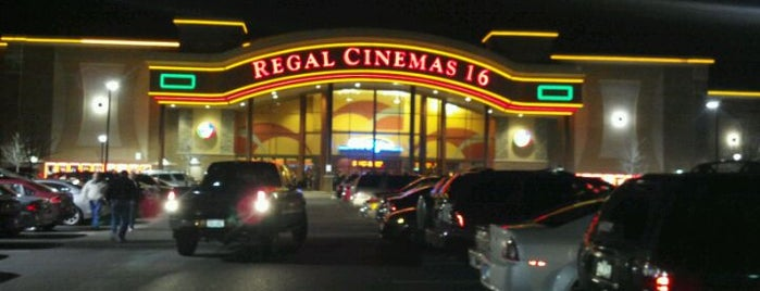 Regal Deerfield Town Center & RPX is one of Zoetrope Badge - Cincinnati Venues.